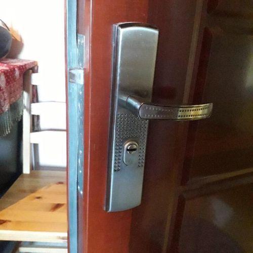 kínai ajtó kilincs, kínai ajtó kilincsek, kínai ajtó kilincs csere, kínai ajtó kilincsek cseréje