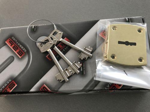 Garay, Lality régi zár helyére tollas kulcsos zárszerkezet