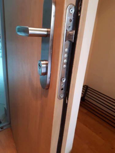 Mul-T-Lock ajtóhoz zárszerkezet