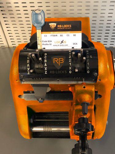 Kódkártyás RB kulcsmásolás